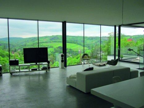 Ablak, mely függöny nélkül is dísze otthonának